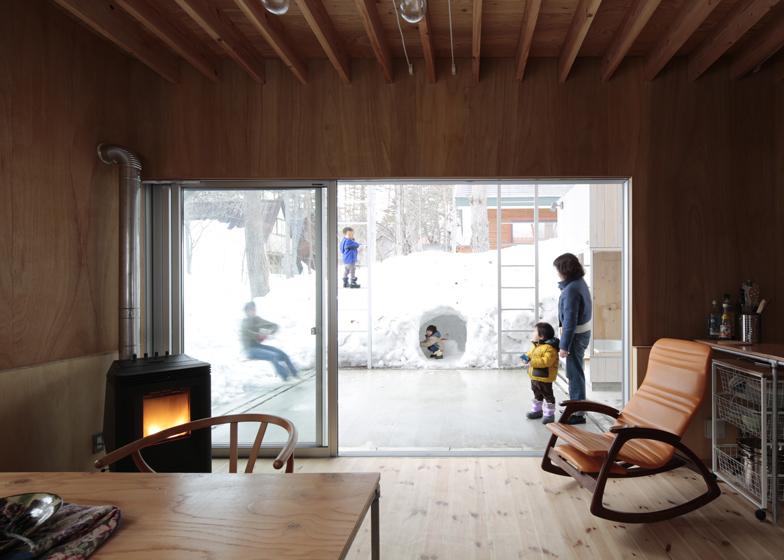 Комфорт и единение с природой - кедровый дом в Японии