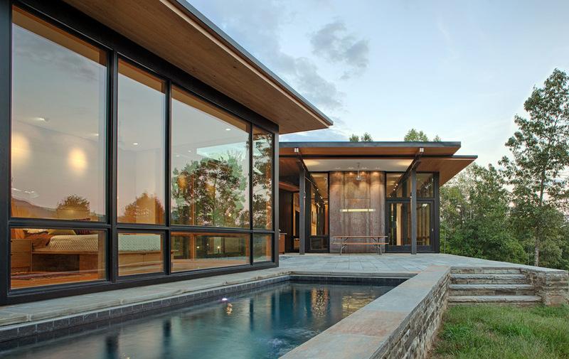 Естественная красота дома в горах Голубого хребта