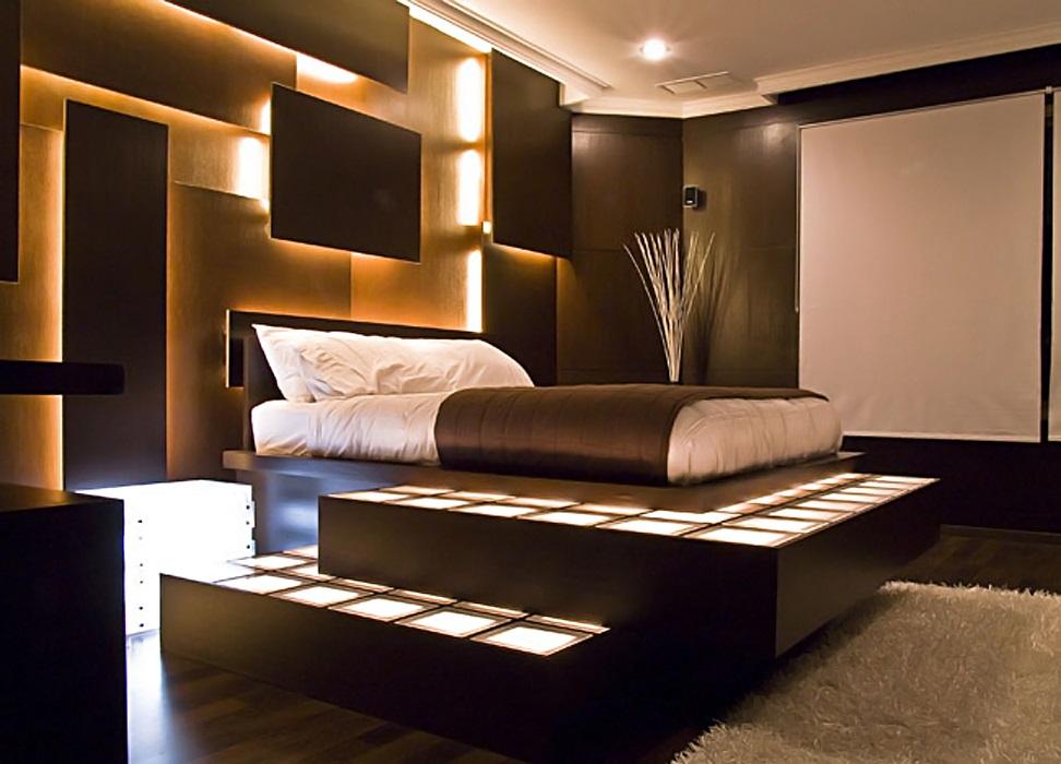 Кровать на подиуме с подсветкой