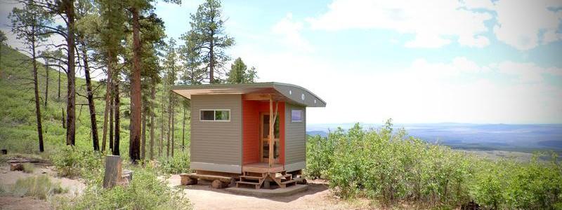Крошечный домик для медитаций в бывшей коммуне хиппи