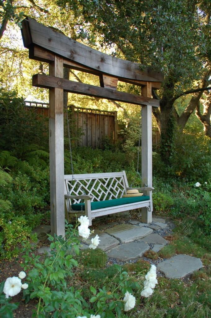 Traditional Swing For Living Room: уютный отдых на свежем воздухе