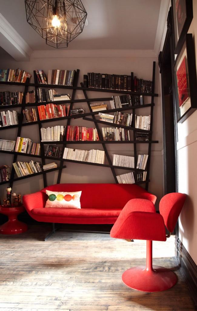 Бунтарская форма стеллажа для книг и мебель в стиле 70-х