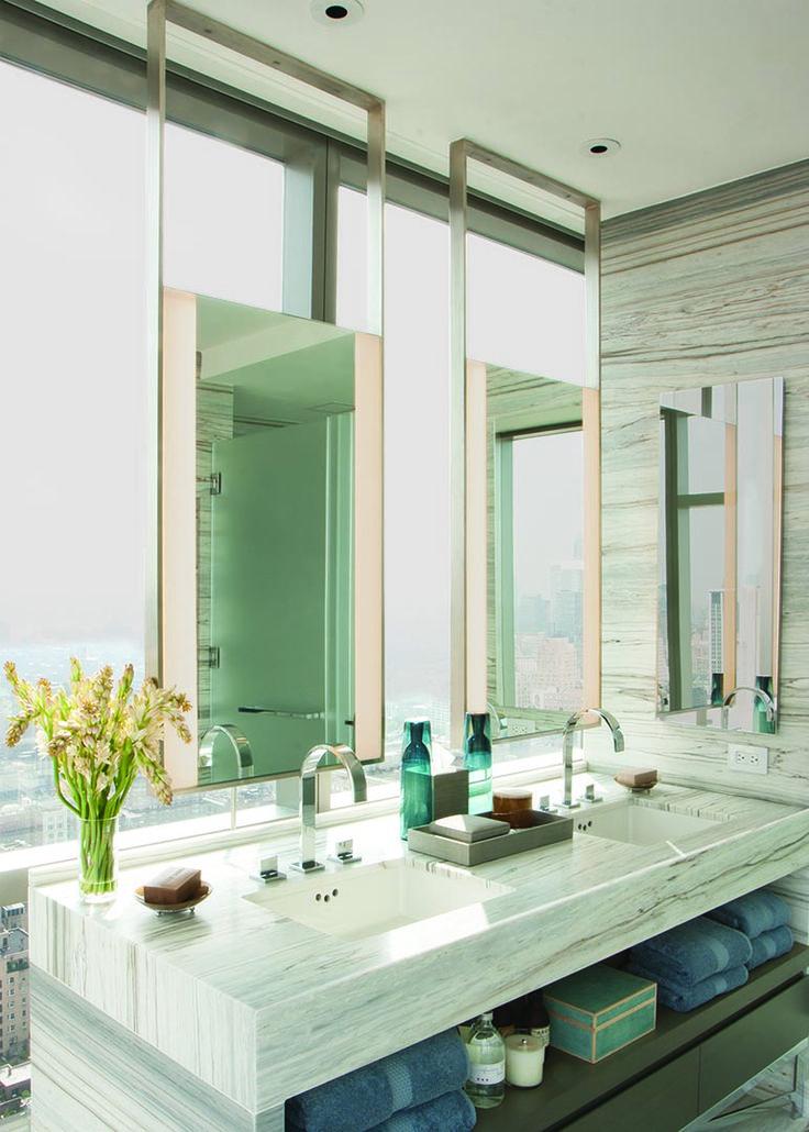 Зеркало - необходимый элемент любой ванной комнаты