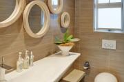 Фото 35 Зеркало в ванную комнату (65 фото): 6 подсказок о том, как определиться с выбором