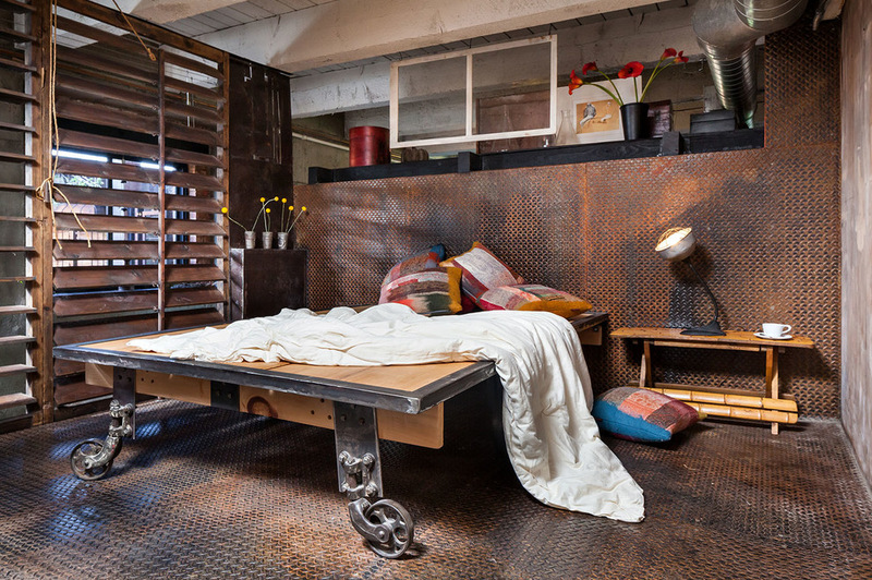 7f41289803864076_7258-w800-h532-b0-p0--industrial-bedroom