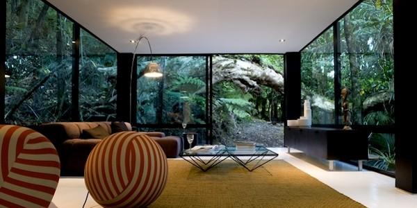 Black Forest House: парящий посреди леса