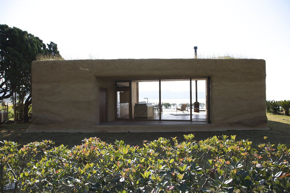 hiroshi-nakamura-nap-house-c-exterior3-via-smallhousebliss