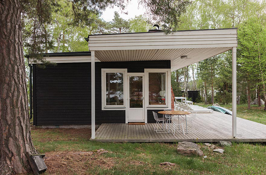 mid-century-modern-in-sweden-exterior5-via-smallhousebliss