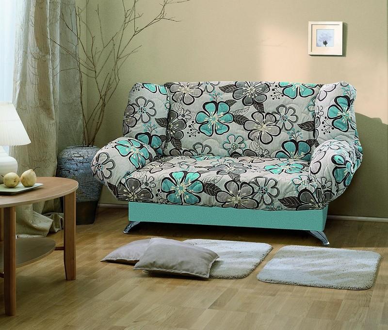 Компактность дивана клик-кляк является одним из его основных преимуществ
