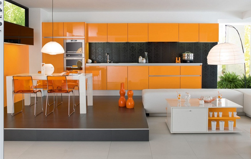 Современная оранжевая кухня со столовой зоной на подиуме