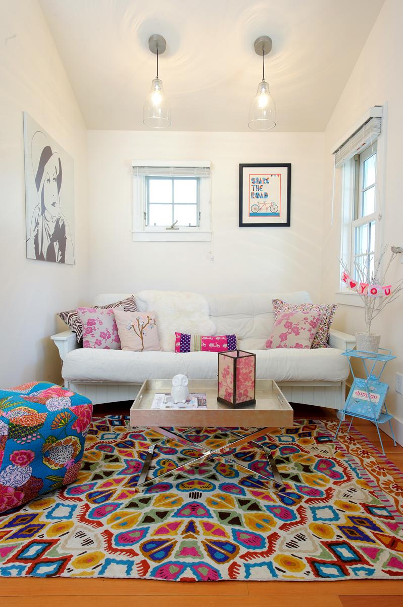 В некоторых моделях диванов клик-кляк нет ниши для белья