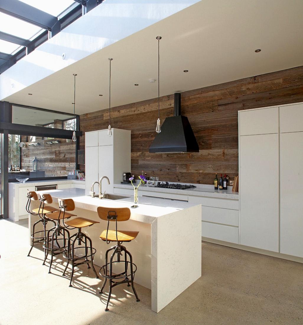 Темные панели на кухне быстро и кардинально изменят стиль