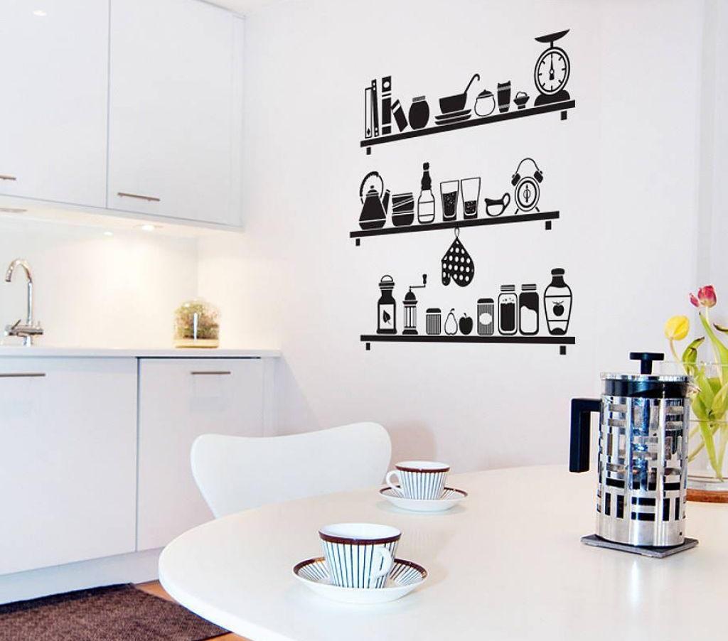 Простые наклейки способны прекрасно обновить кухню