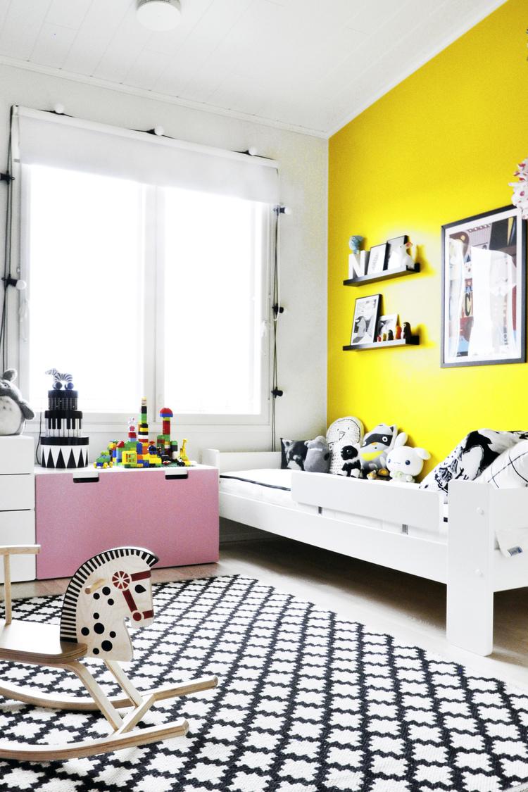 Фото 5 - Желтый отлично подходит в детскую комнату