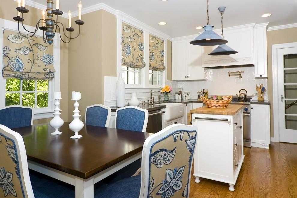 Кухня в стиле кантри всегда выглядит свежо, а так же придется по душе и тем кто ценит чистые белые и нежные синие цвета