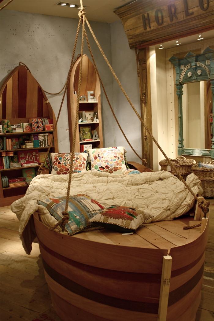 Деревянная мебель с круглыми углами - самый лучший вариант для обустройства детской