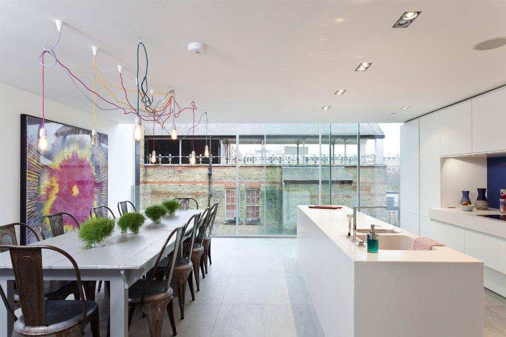 Фото 1 - Необычные подвесные светильники над обеденным столом - практично и незаурядно