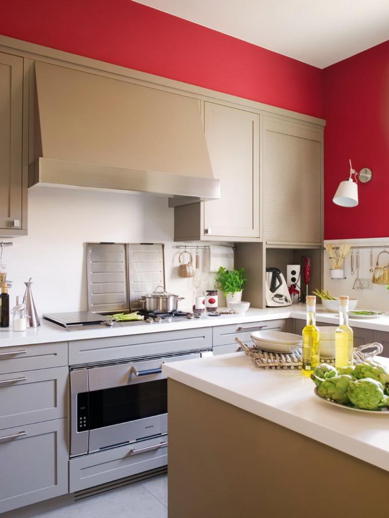 Светло-коричневый с красным - яркое, аппетитное сочетание, которое идеально подойдет для кухни