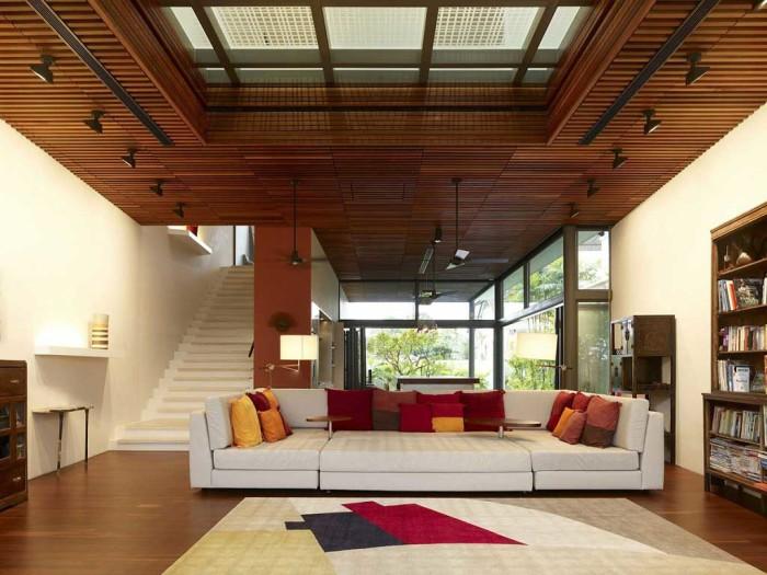 С помощью дерева можно создавать многоуровневые потолки