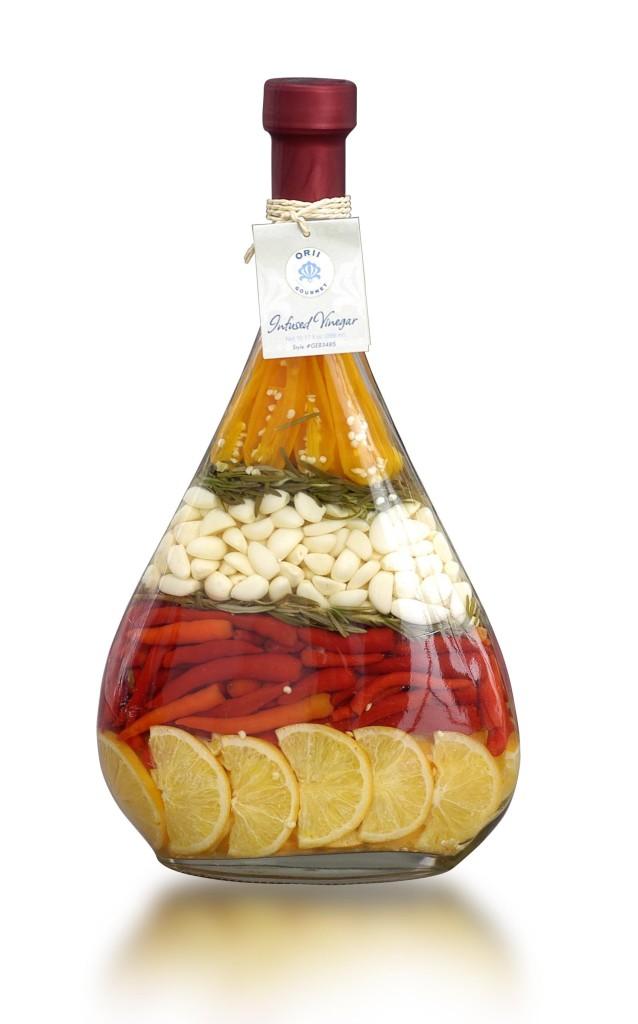 В специализированных магазинах можно приобрести уже готовые декоративные бутылки с красивой консервацией