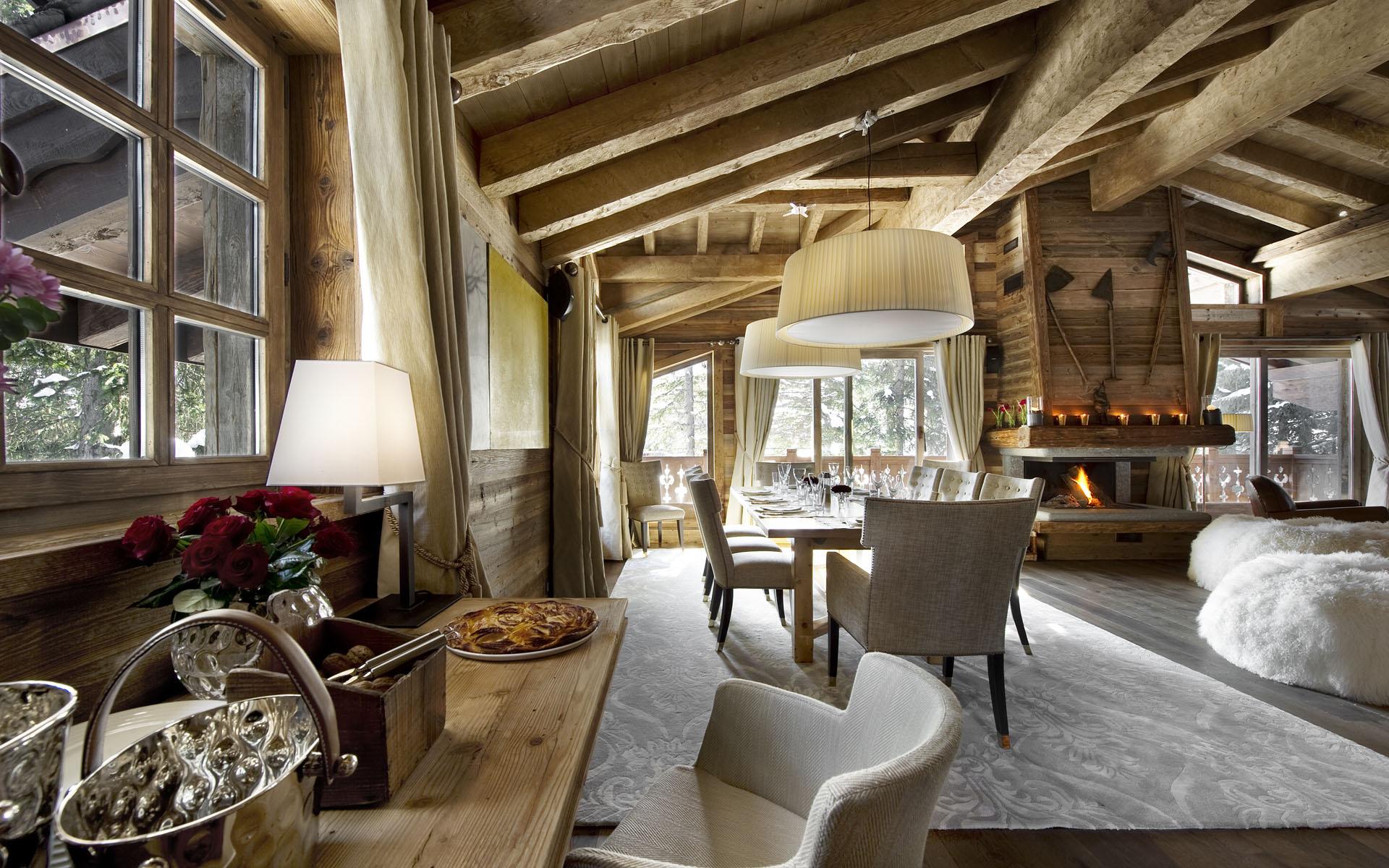 Оформление дома в стиле кантри может быть самым разнообразным, ведь не обязательно выбирать национальный дизайн, можно так же рассмотреть варианты швейцарского шале или американского ранчо