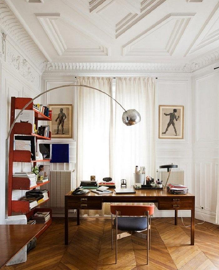 Резной деревянный потолок - самый сложный тип конструкций в производстве и монтаже