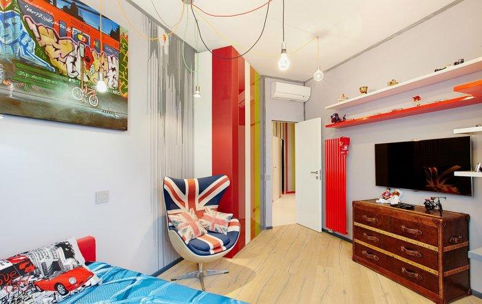 Мебель в стиле хай-тэк или модерн в детской поможет обыграть комнаты нестандартной формы