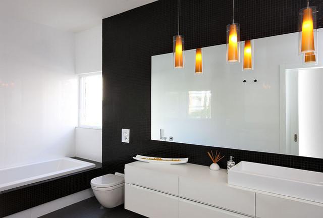 Фото 19 - Изящная строгость черно-белой ванной