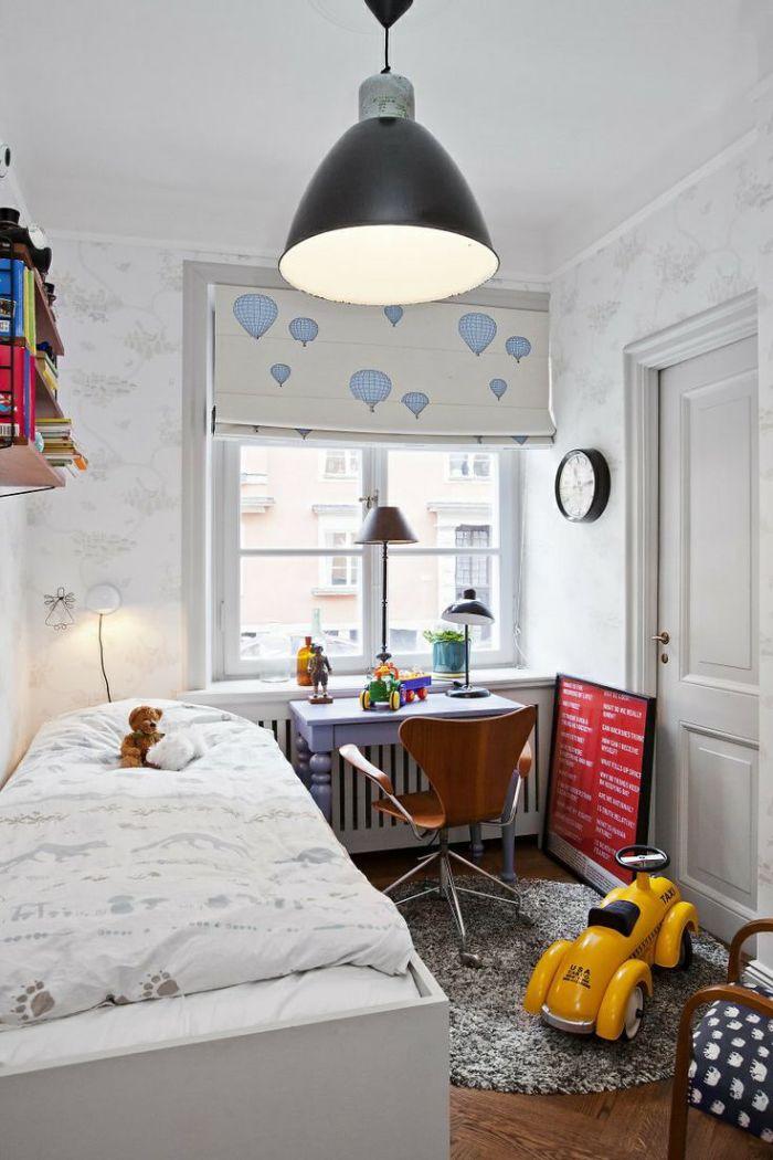 Для небольших детских лучше всего подойдет светлая мебель