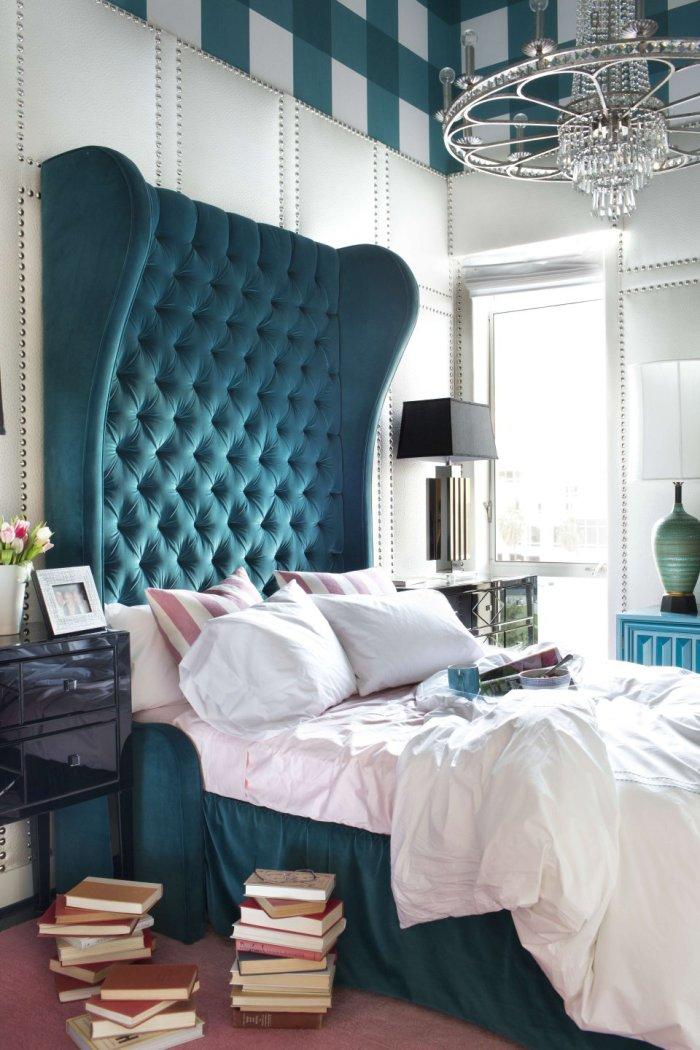 Арт-деко стиль, в котором можно позволить себе кровать с причудливым изголовьем