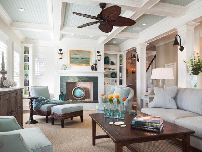 В интерьере комнаты с деревянным потолком непременно должны присутствовать детали в той же цветовой гамме