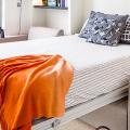 Откидная кровать, встроенная в шкаф: 90+ вариантов кардинального преображения маленькой квартиры фото