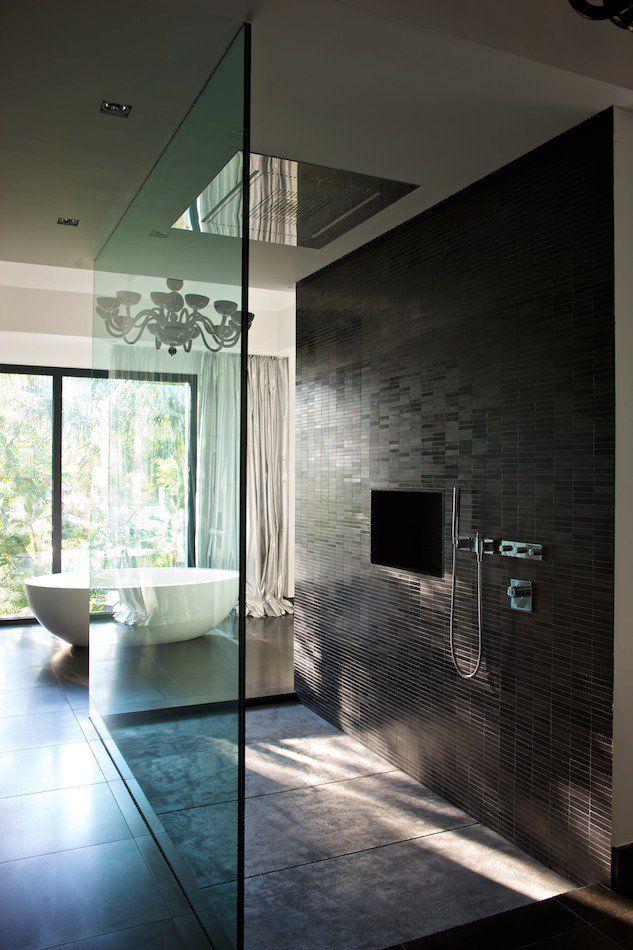 Расположение вытяжки на потолке или около него позволить добиться максимальной эффективности ее работы
