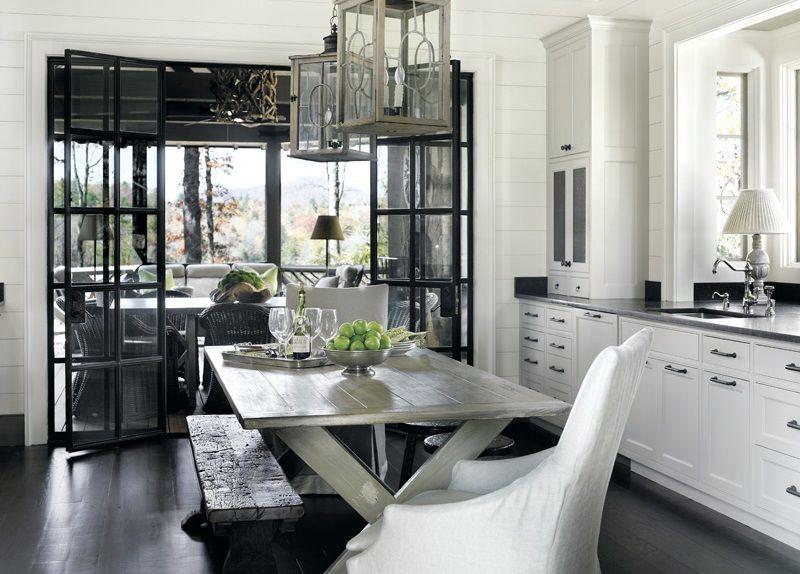 Удобство кухни в частном доме - использование дополнительного пространства