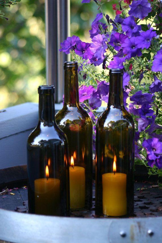 Подсвечники из стеклянной бутылки темного оттенка