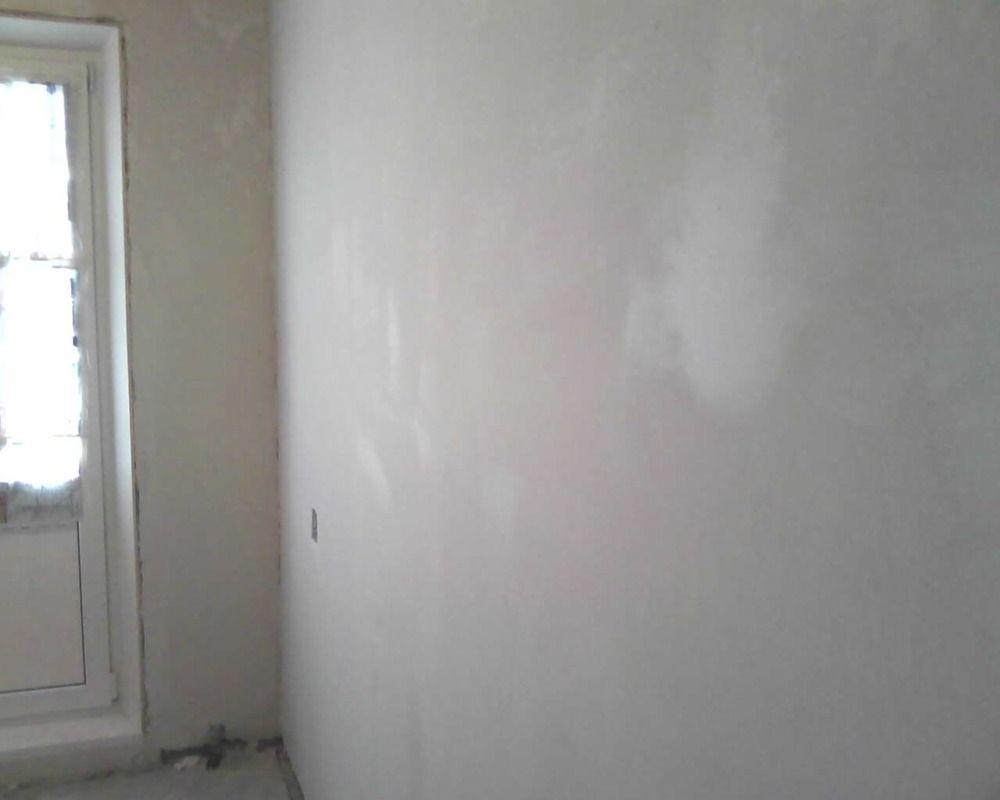 Штукатурка должна наноситься на чистые стены