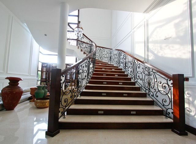 Симметричность, которая сделает гораздо приятнее Ваш подъем по лестнице