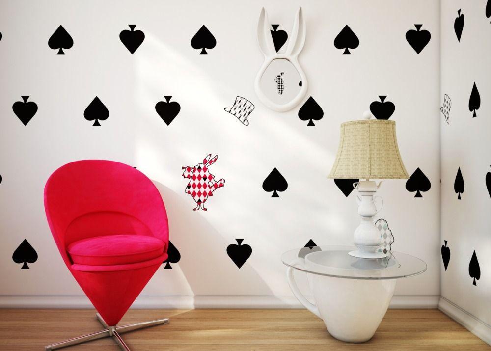 Креативные обои в комнате для девочки-подростка