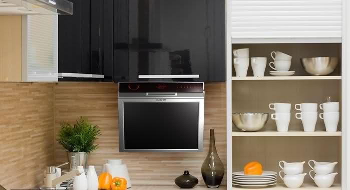 Откидной телевизор -прост и удобен в установке и использовании
