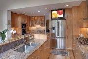 Фото 4 Телевизор на кухне (54 фото): выбираем и устанавливаем правильно