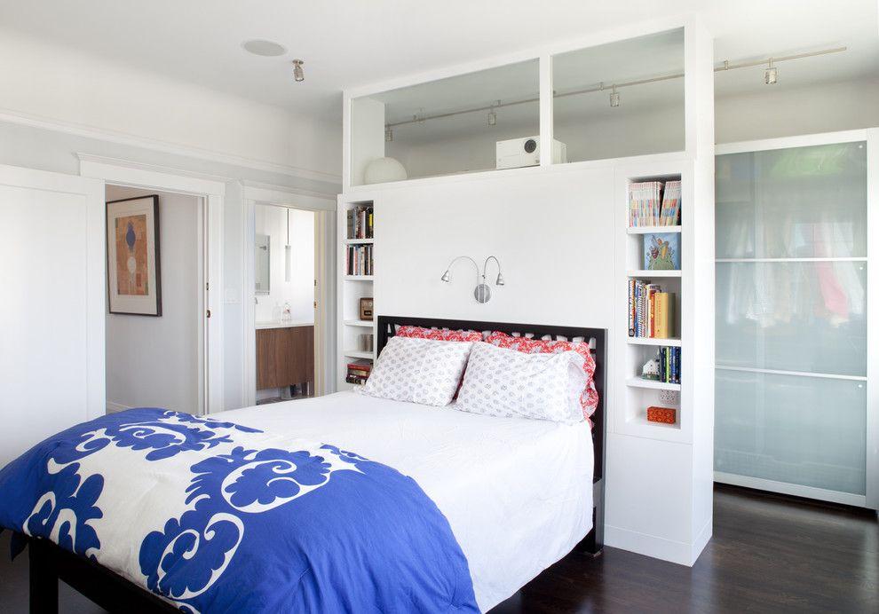 Чем ниже стеллаж, тем больше пространства, света и воздуха будет в комнате