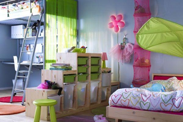 Стеллаж-перегородка в детской комнате поможет обозначить игровую и учебную (рабочую) зону