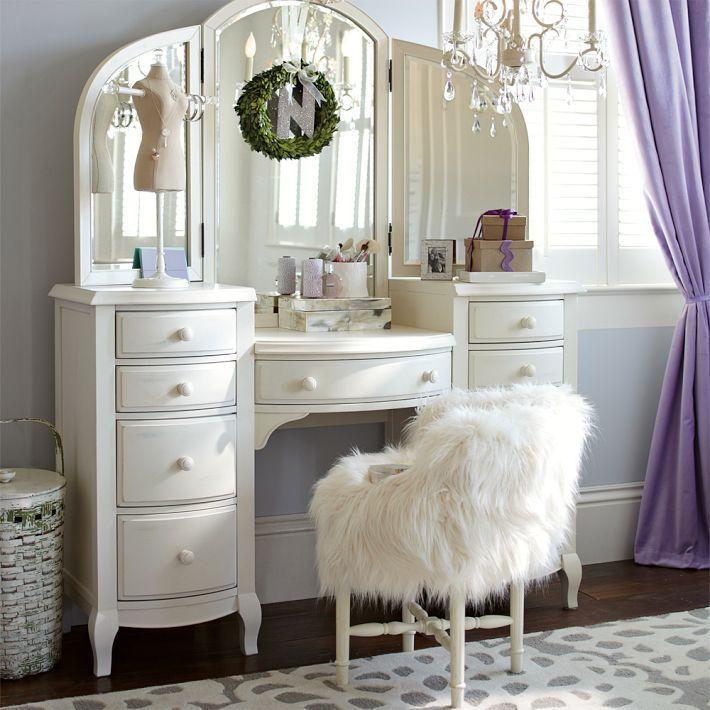 Красивый предмет мебели
