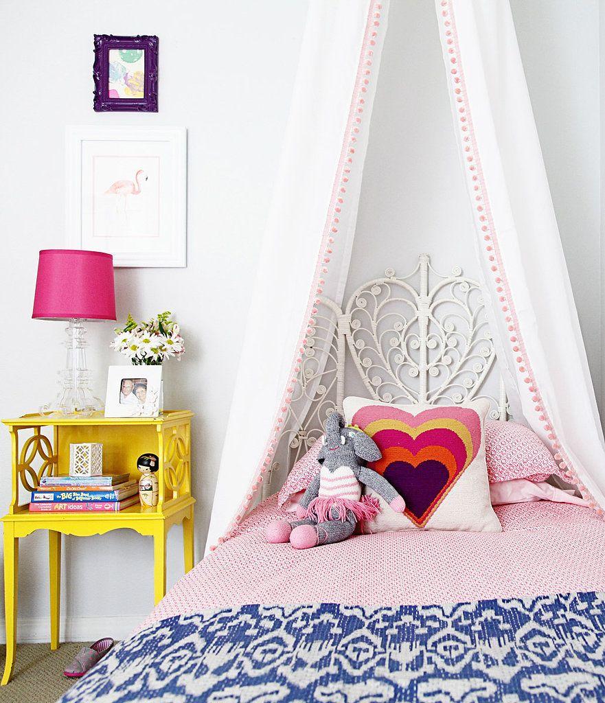 Кроме функционального назначения балдахин может быть веселым украшением детской комнаты