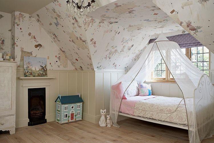 Воздушный балдахин над кроваткой ребенка - уютно и функционально