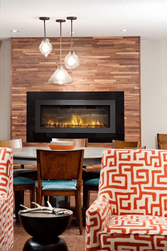Биокамин встроенный в деревянную панель добавит теплоты и уюта вашей квартире.