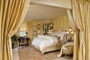 Фото 8 Спальни в классическом стиле (60 фото): роскошь, блеск и комфорт