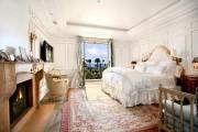 Фото 20 Спальни в классическом стиле (60 фото): роскошь, блеск и комфорт
