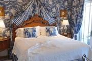 Фото 29 Спальни в классическом стиле (60 фото): роскошь, блеск и комфорт