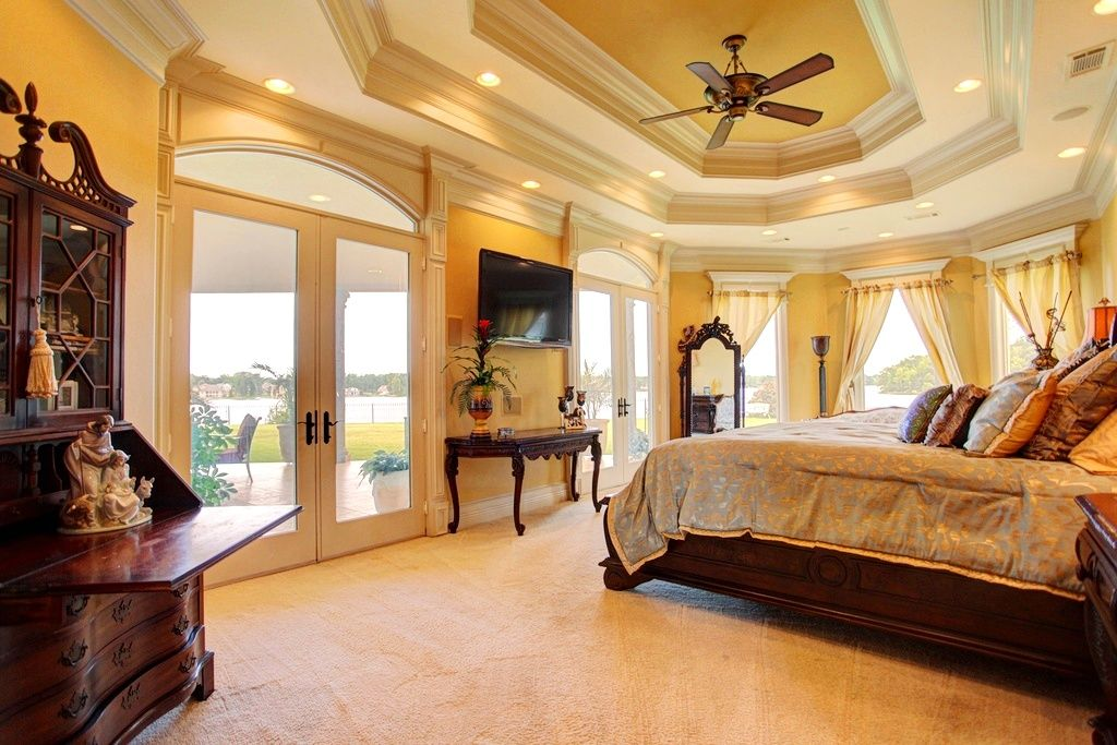 Спальня в стиле классика - это безупречный вкус, роскошь и непревзойденное стремление к комфорту